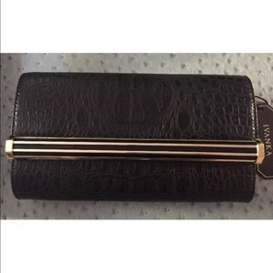 IVANKA CLUTCH ONYX LEATHER BLACK SHOULDER EVEN BAG